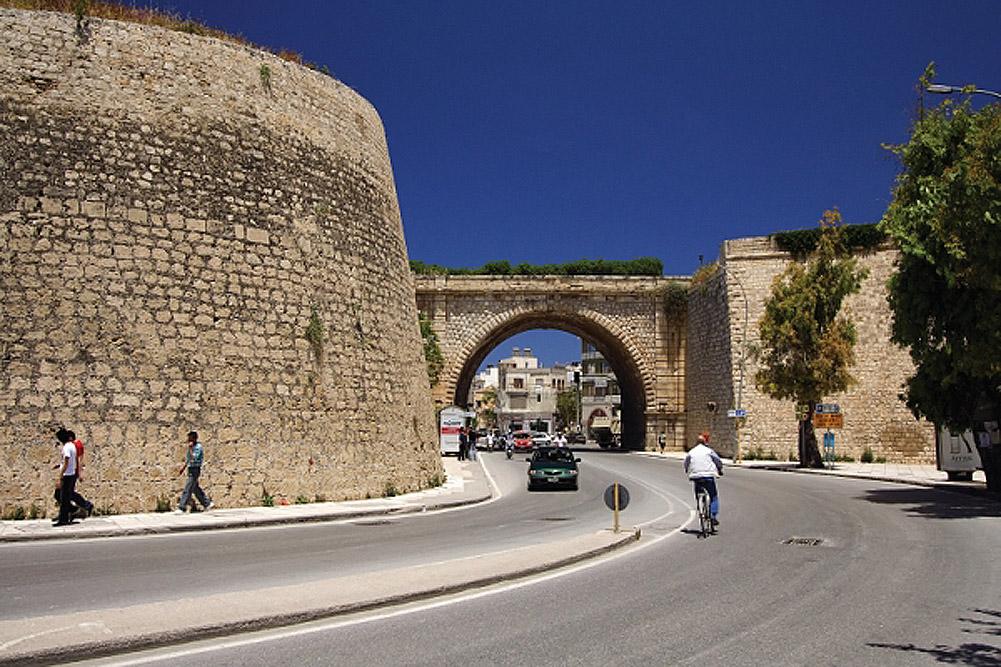 Η Χανιόπορτα στα τείχη του Ηρακλείου Κρήτης.