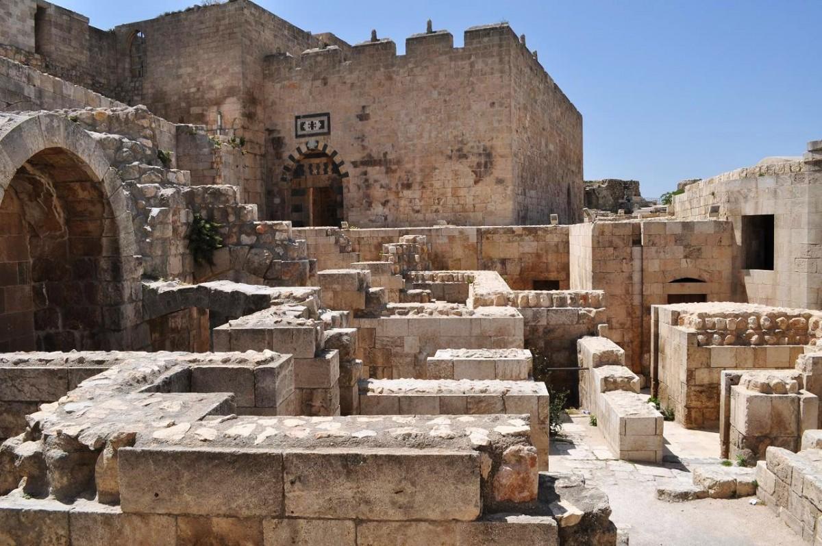 Χαλέπι: κτίσματα στην οχυρωμένη ακρόπολη.
