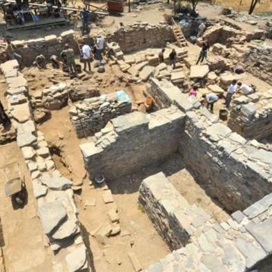 Από τις ανασκαφές στη Ζώμινθο.
