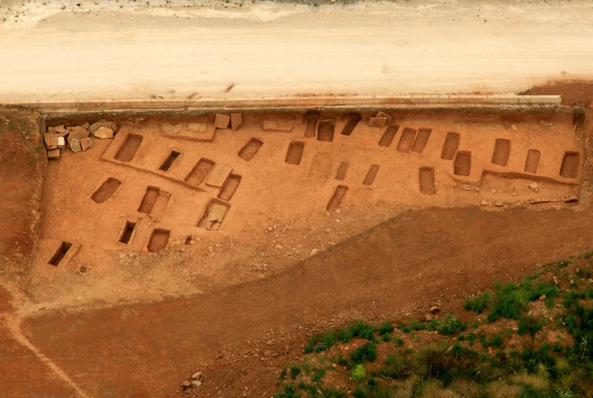 Εικ. 4. Μερική άποψη του νεκροταφείου στα Ρηγαίικα Μεσολογγίου.
