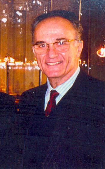 Ο συλλέκτης Γιώργος Τσολοζίδης.