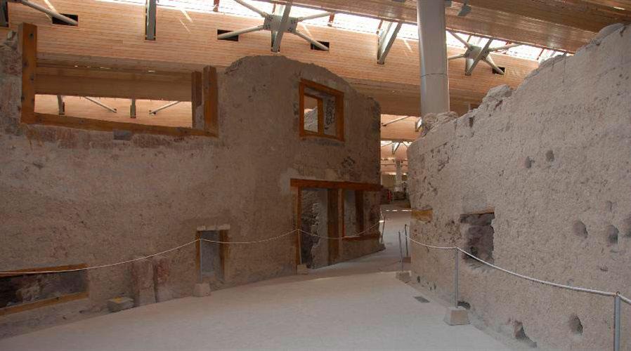 Άποψη του αρχαιολογικού χώρου στο Ακρωτήρι.