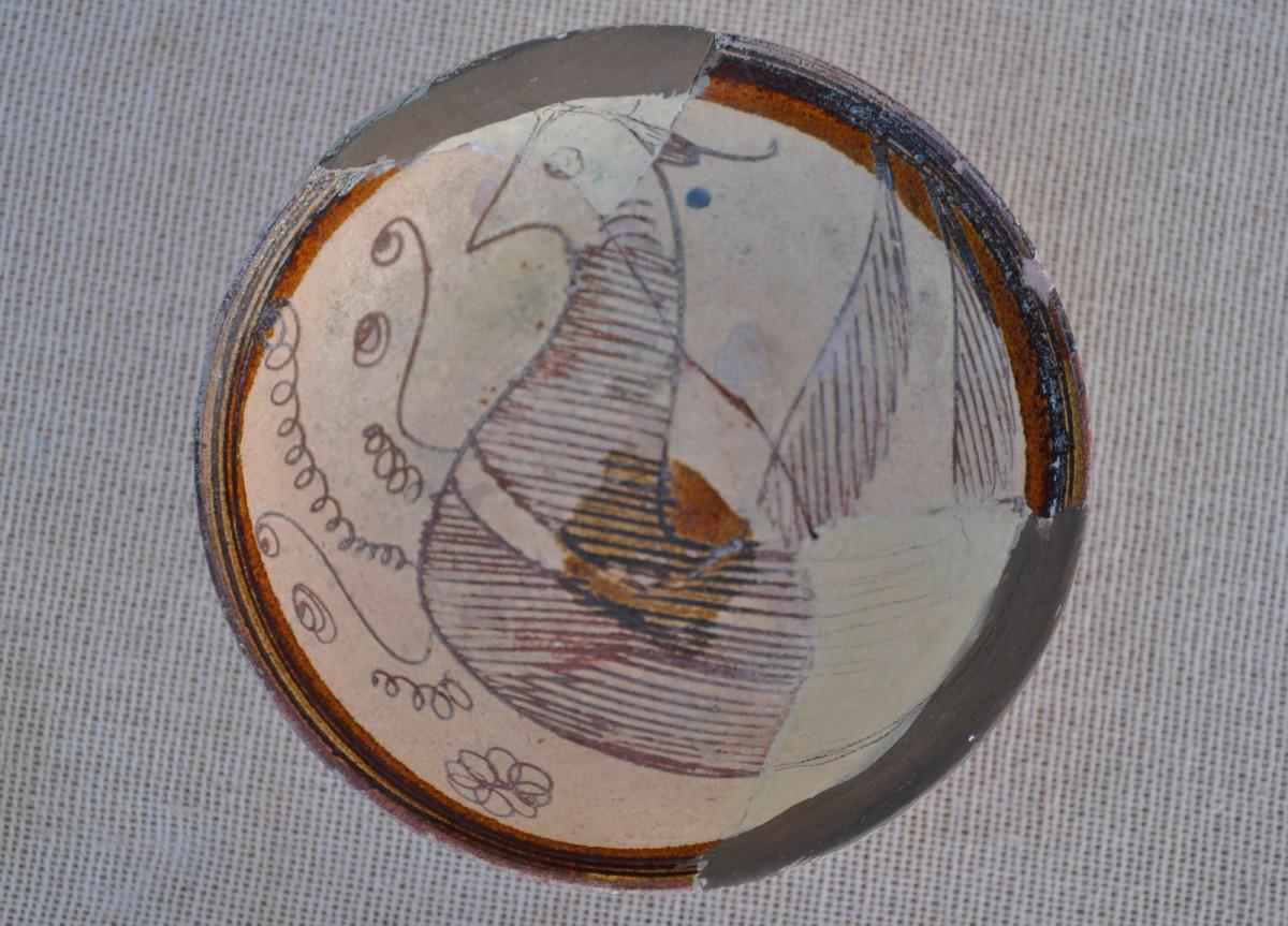 Εικ. 8. Μικρή κούπα από τα Τρίκαλα, υστεροβυζαντινή περίοδος (;).
