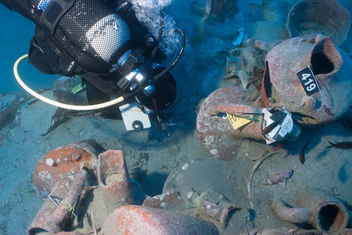 Υποβρύχια αρχαιολογική έρευνα στο ναυάγιο του Μαζωτού (2012).
