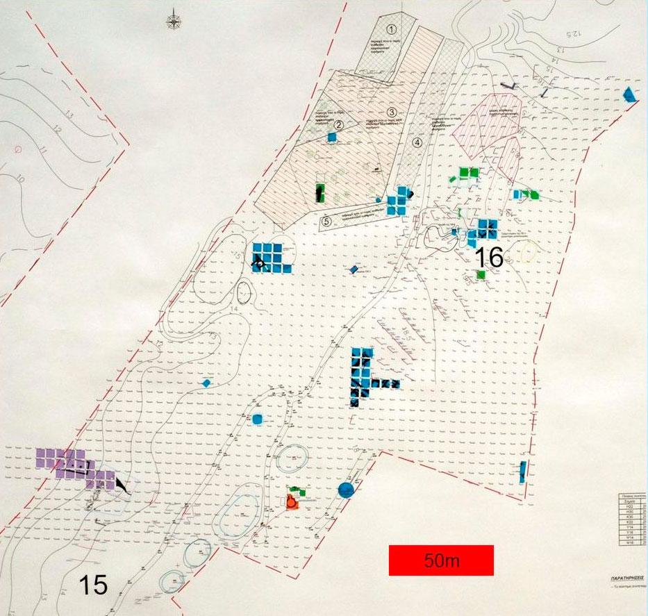 Εικ. 2. Σκάμματα στην περιοχή των διαδρομών 15 και 16 της Π.Ο.Τ.Α. Ρωμανού. Με μπλε χρώμα σημειώνονται τα οικιστικά κατάλοιπα της ΠΕ ΙΙ περιόδου.