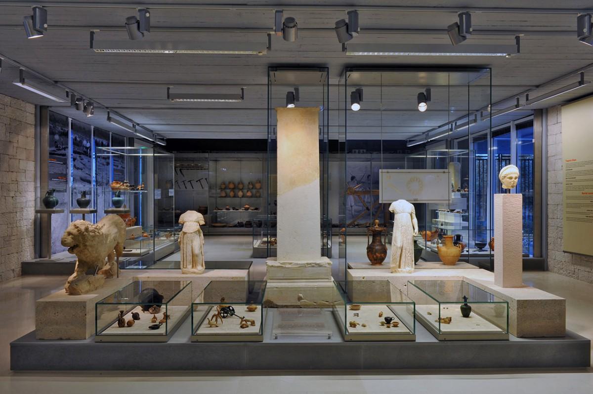 Η Αίθουσα Ταφικών Εθίμων του Αρχαιολογικού Μουσείου Ιωαννίνων.