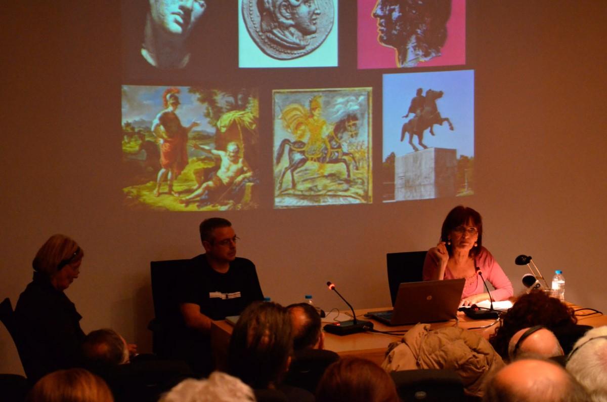 Η δρ Αγγελική Κοτταρίδη και ο δρ Νικόλαος Βρανίκας στην παρουσίαση του έργου «Εικονικό Μουσείο Μέγας Αλέξανδρος: από τις Αιγές στην Οικουμένη».