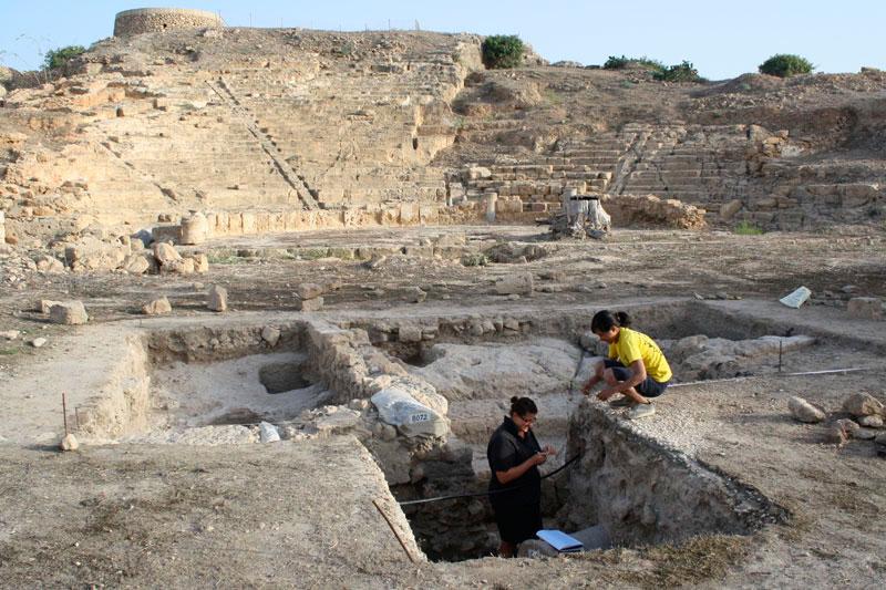 Άποψη της ανασκαφής στο αρχαίο θέατρο της αρχαίας Νέας Πάφου στην Κάτω Πάφο.
