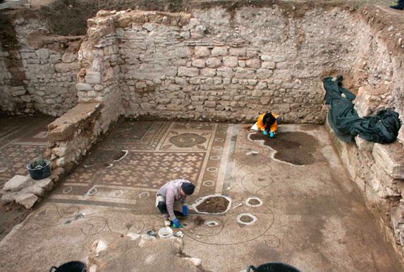 Άποψη της ανασκαφής στην αρχαία Πλωτινόπολη.