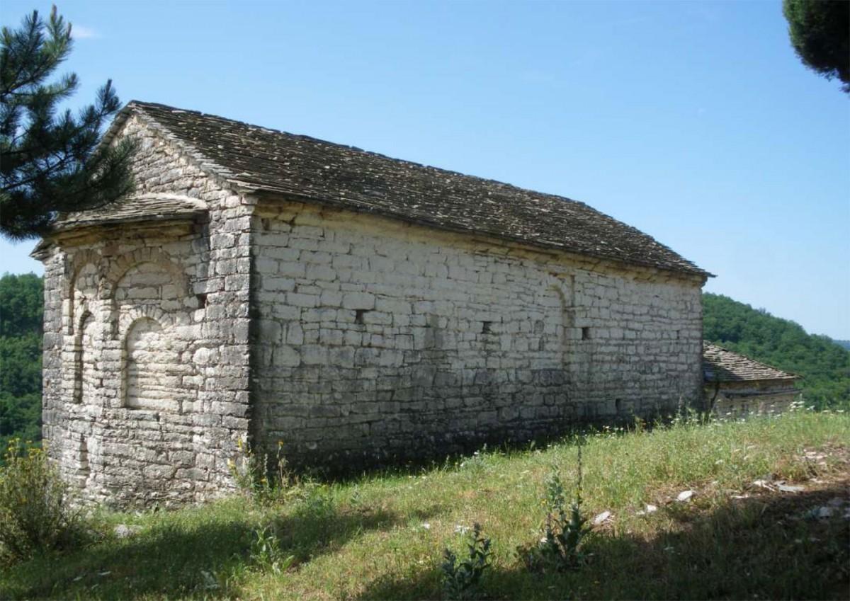 Ο ναός της Κοίμησης της Θεοτόκου στην Κληματιά Ιωαννίνων.