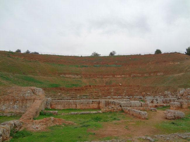 Το αρχαίο θέατρο της Σικυώνας.