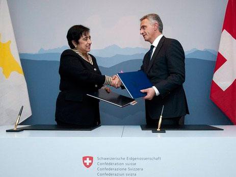 H Υπουργός Εξωτερικών της Κυπριακής Δημοκρατίας Ερατώ Κοζάκου-Μαρκουλλή και o Υπουργός Εξωτερικών της Συνομοσπονδιακής Κυβέρνησης της Ελβετίας Didier Burkhalter.