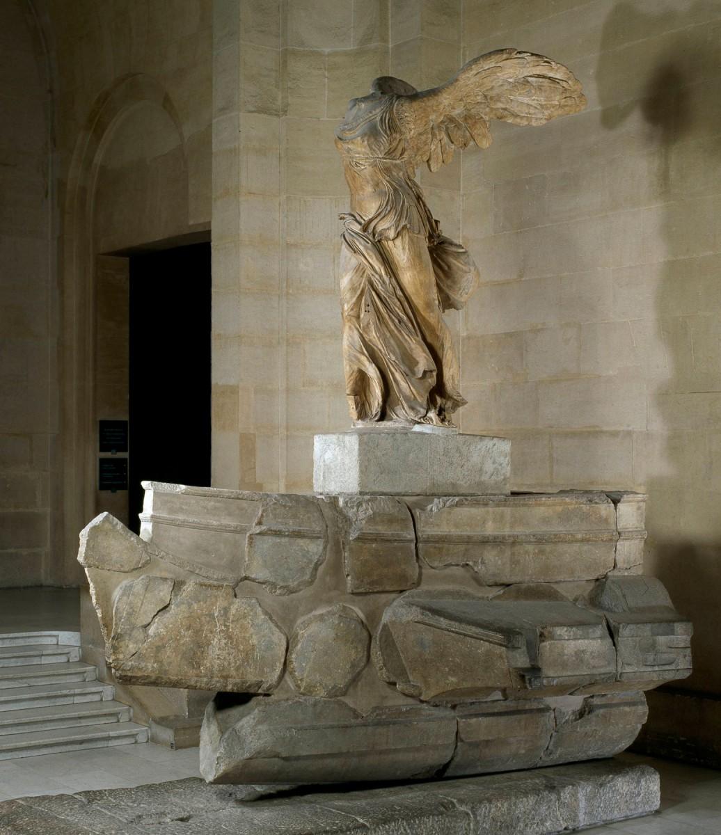 Η Νίκη της Σαμοθράκης, 220-185 π.Χ. Λούβρο, Παρίσι.