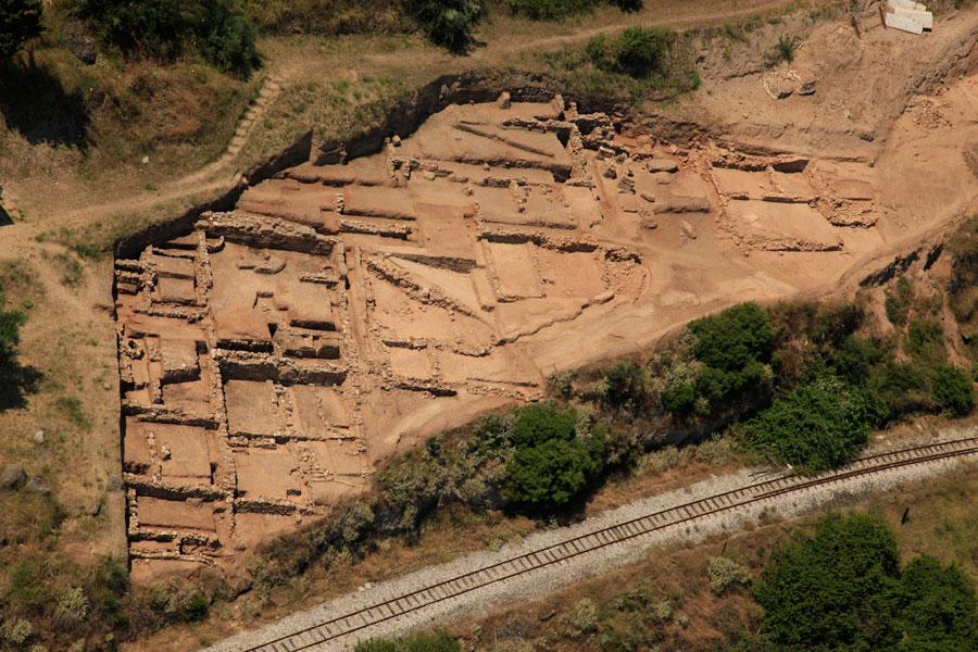 Εικ. 14. Αεροφωτογραφία του αρχαίου οικισμού στην Τράπεζα.