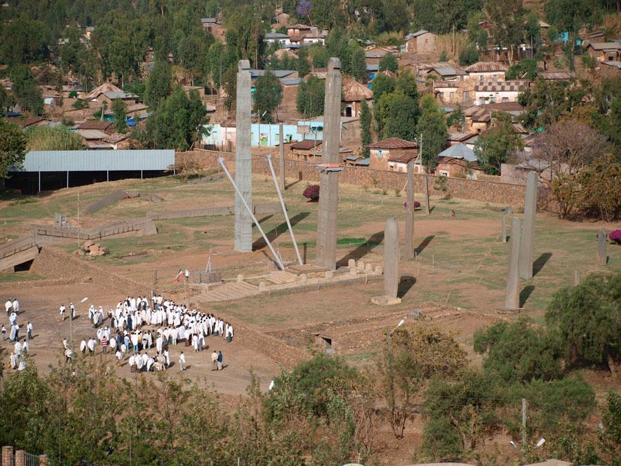 Σχεδόν 70 χρόνια μετά την ιταλική εισβολή στην Αιθιοπία, ο Οβελίσκος του Αξούμ επέστρεψε στα πάτρια εδάφη το 2005.