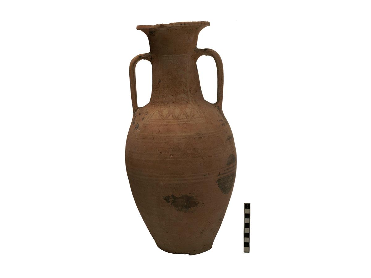 Εικ. 1: Ο ΥΓ αμφορέας από τα Αϊτάνια Πεδιάδος (φωτ. Ι. Παπαδάκης-Πλουμίδης).