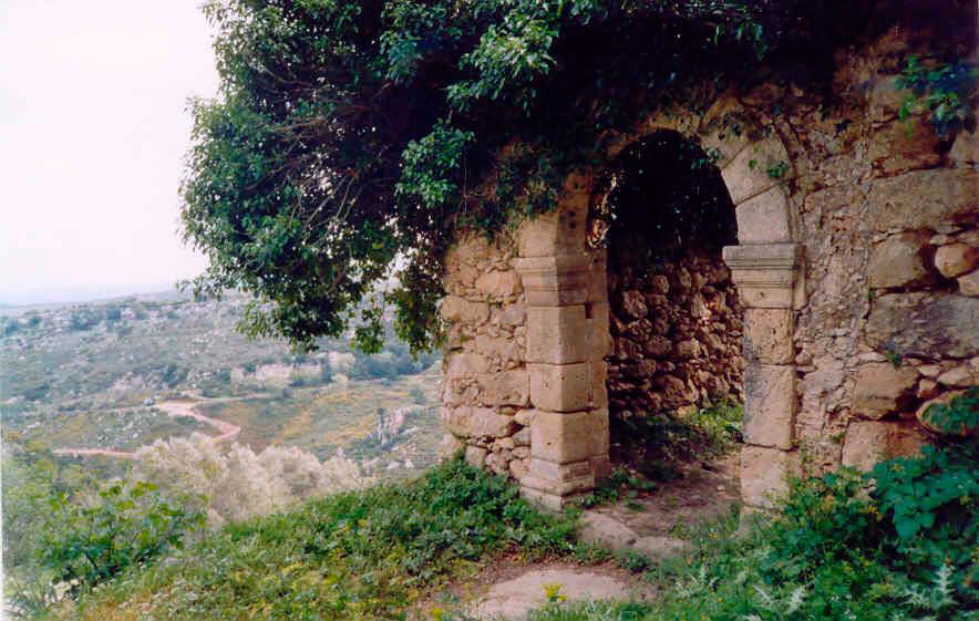 Εικ. 21. Η πόρτα στο μοναστήρι «του Μερκούρη» (φωτ. Α. Μπροτζάκη-Σκάρπα).
