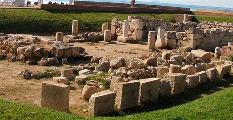 Ο ναός του Απόλλωνα Ζωστήρα στη Βουλιαγμένη.