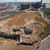 Αποκαθίσταται ο ορθογώνιος ανατολικός πύργος στην Ηετιώνεια Πύλη του Πειραιά