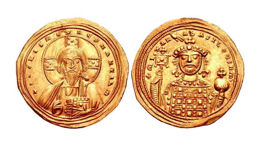 Εικ. 1. Ιστάμενον του Μιχαήλ Δ΄ του Παφλαγόνα, 1034-1041, Ιδιωτική Συλλογή. Κατά τη βασιλεία του τοποθετείται η απαρχή της ελεγχόμενης, αρχικά, απαξίωσης όταν το χρυσό ιστάμενο νόμισμα κοβόταν σε καθαρότητα από 23 1/2 έως 19 1/2 καράτια.