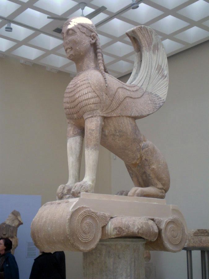 Η Σφίγγα των Ναξίων, 560 π.Χ. Αρχαιολογικό Μουσείο Δελφών.