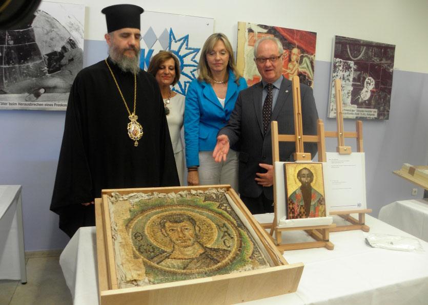 Η τελετή παράδοσης των κειμηλίων πραγματοποιήθηκε στα γραφεία της Αστυνομίας του Μονάχου (φωτ. Εκκλησία της Κύπρου).