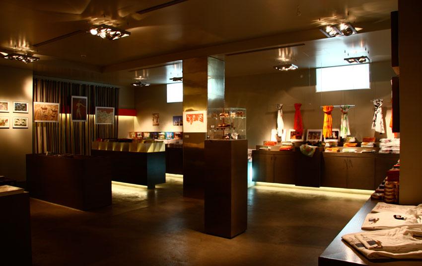 Το πωλητήριο του Εθνικού Αρχαιολογικού Μουσείου.