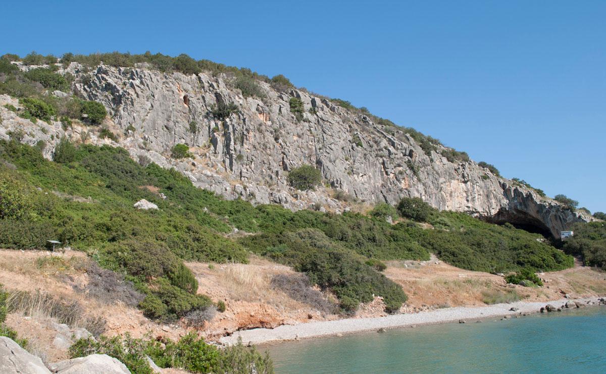 Το σπήλαιο Φράγχθι στη ΝΔ Αργολίδα.