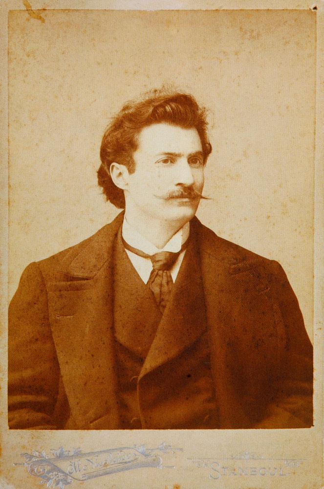 Εικ. 1. Ο φιλόσοφος και ποιητής Riza Tevfik Bolukbasi γύρω στο 1900. Φωτογραφία του Αλκιβιάδη Νικολαΐδη.