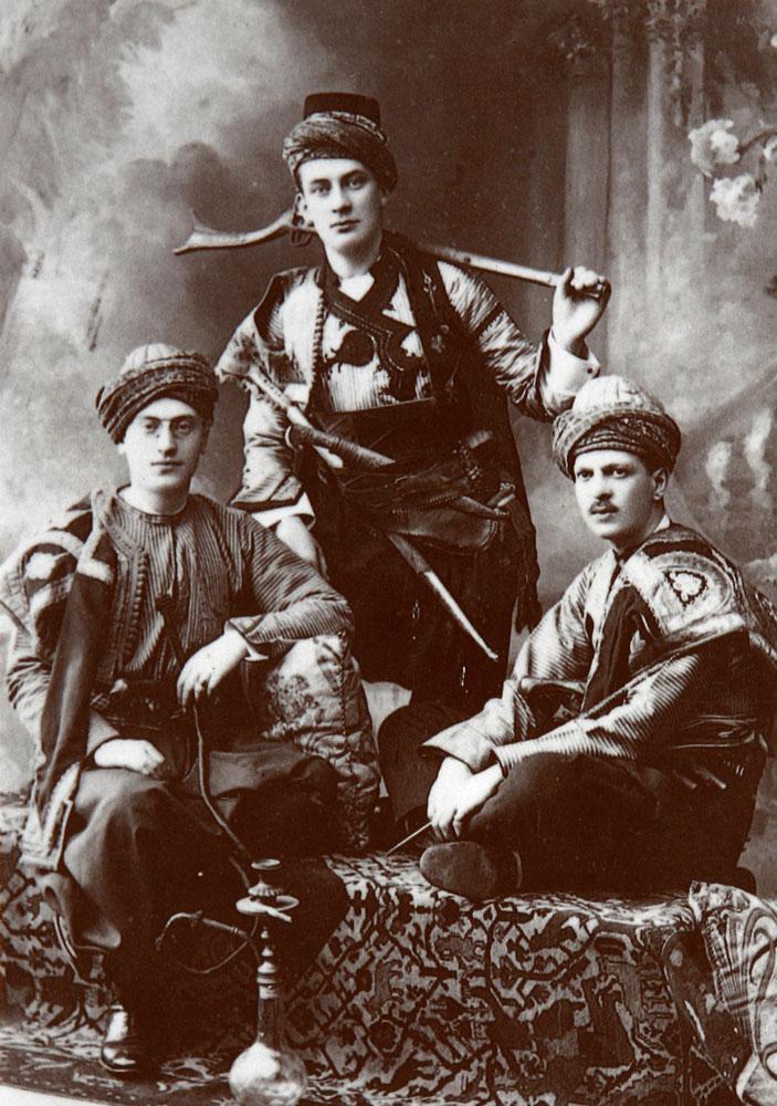 Εικ. 3. Atelier Apollon: Νέοι Έλληνες από το Αιγαίο, 1890.