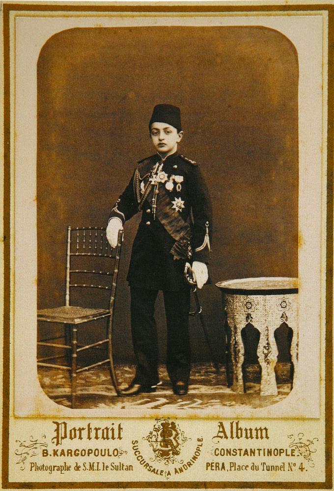 Εικ. 5. Ο πρίγκιπας Μεχμέτ Σεφκέτ, γιος του Σουλτάνου Αμπντούλ Αζίζ, 1883. Φωτογραφία του Βασίλη Καργόπουλου.