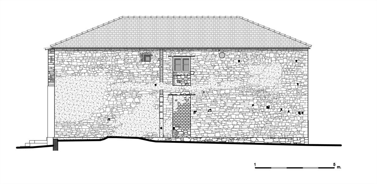 Εικ. 18. Η βόρεια όψη της οικίας. Υπάρχουσα κατάσταση. (Σχέδιο Θ. Μακρή-Σκοτινιώτη)