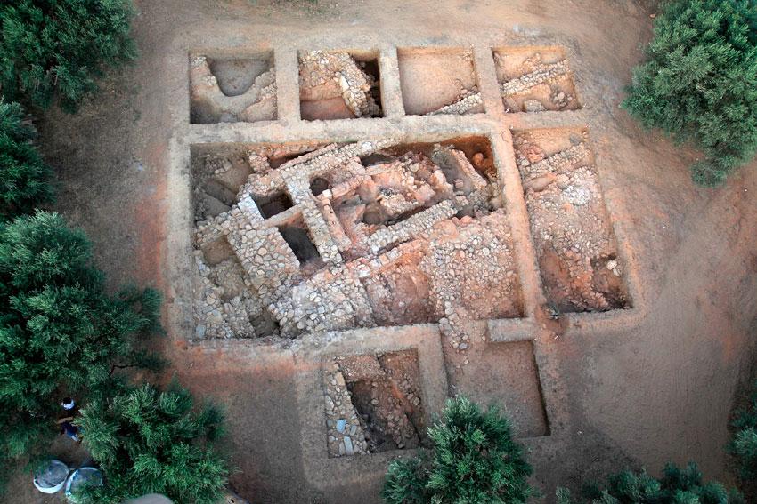 Άγιος Βασίλειος Ξηροκαμπίου: Το λεγόμενο «Κτήριο Α», από αέρος (ανασκαφή 2011).