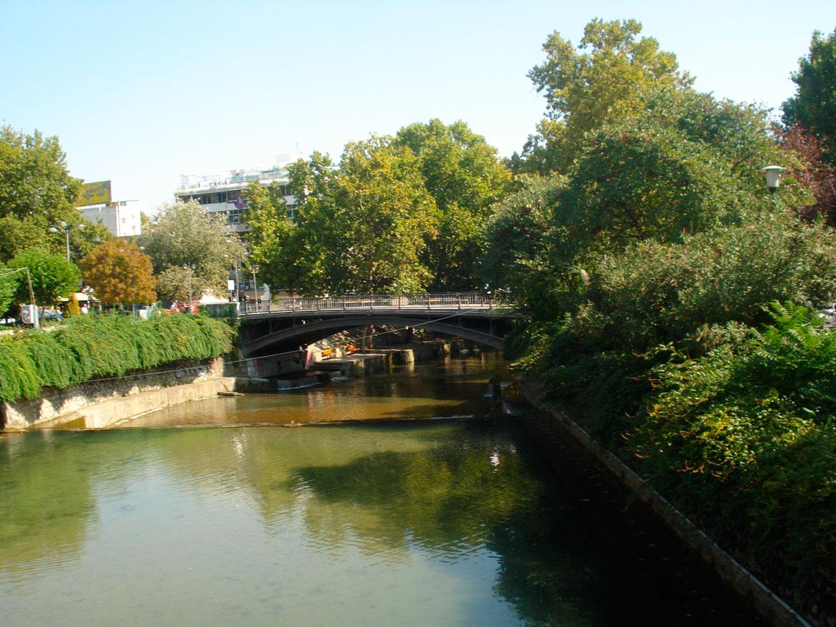 Εικ. 1. Τρίκαλα, Ληθαίος ποταμός. Πηγή: προσωπικό αρχείο.