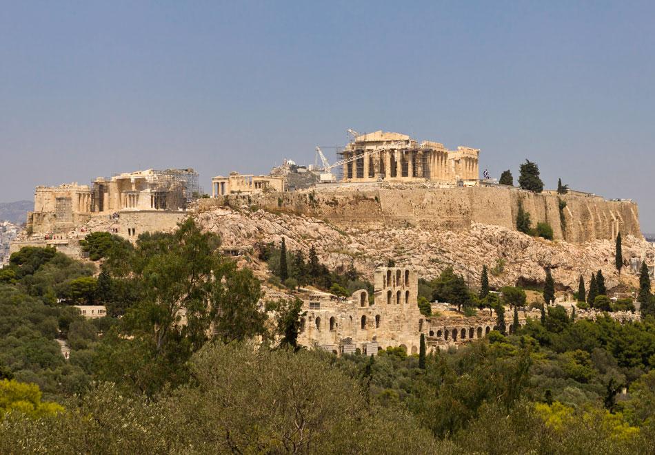 Ο ιερός βράχος της Ακρόπολης.
