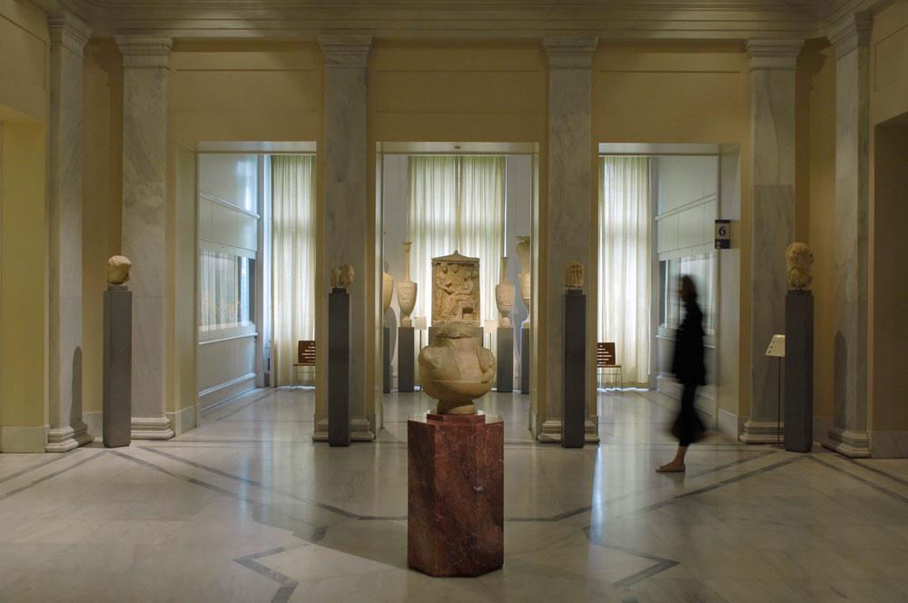Άποψη της αίθουσας που φιλοξενεί τη Συλλογή Αρχαίας Ελληνικής Τέχνης του Μουσείου Μπενάκη.