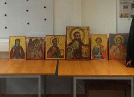 Επιστρέφουν στην Κύπρο οι έξι εικόνες που είχαν εντοπιστεί τον Δεκέμβριο του 2010 σε γκαλερί πώλησης έργων τέχνης στο Άουγκσμπουργκ της Γερμανίας (φωτ. Εκκλησία της Κύπρου).