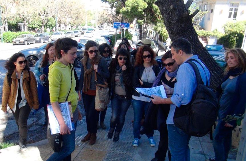 Στιγμιότυπο από συνάντηση εθελοντών για την καταγραφή κτιρίων στο πλαίσιο του προγράμματος της «Monumenta» (φωτ. Monumenta).