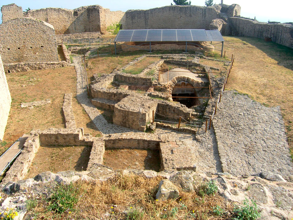 Άποψη του εσωτερικού του βυζαντινού Κάστρου Φαναρίου (φωτ. ΑΠΕ-ΜΠΕ).