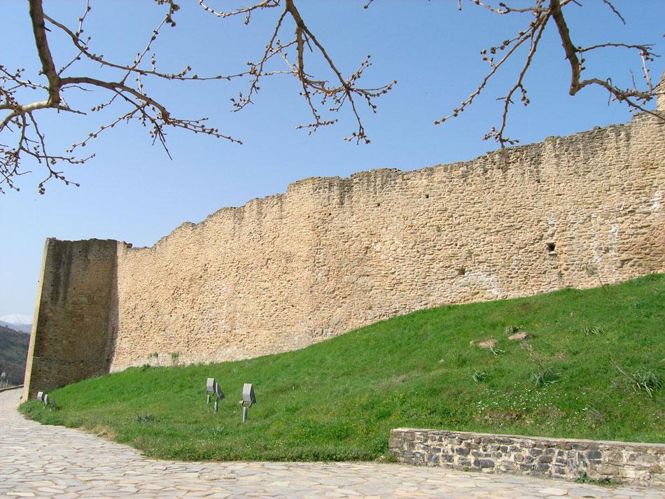 Άποψη της οχύρωσης του βυζαντινού Κάστρου Φαναρίου (φωτ. ΑΠΕ-ΜΠΕ).
