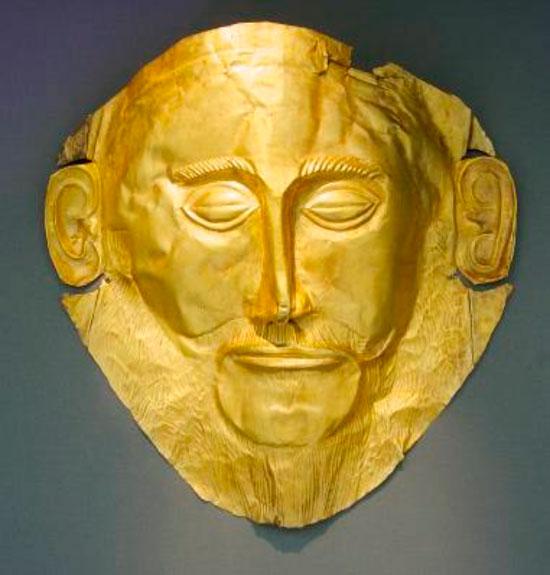 Πιστό αντίγραφο χρυσής νεκρικής μάσκας «Αγαμέμνονα» από τον Ταφικό Κύκλο Α΄ των Μυκηνών, 16ος αιώνας π.Χ. Αρχαιολογικό Μουσείο Μυκηνών (το πρωτότυπο εκτίθεται στο Εθνικό Αρχαιολογικό Μουσείο Π 624α).