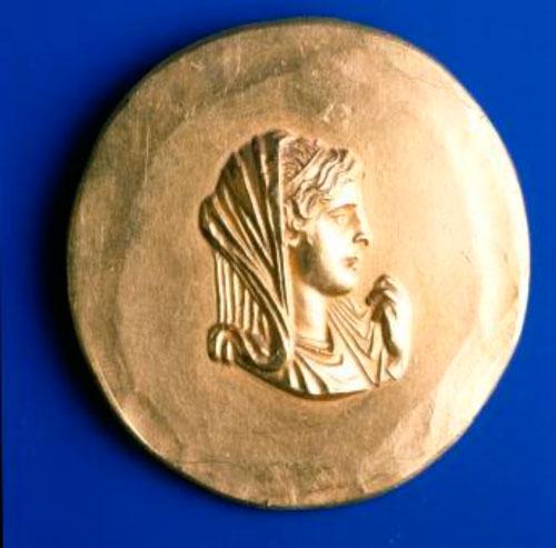 Χρυσό μετάλλιο Ολυμπιάδας, 225-250 μ.Χ., Αρχαιολογικό Μουσείο Θεσσαλονίκης, 4304.