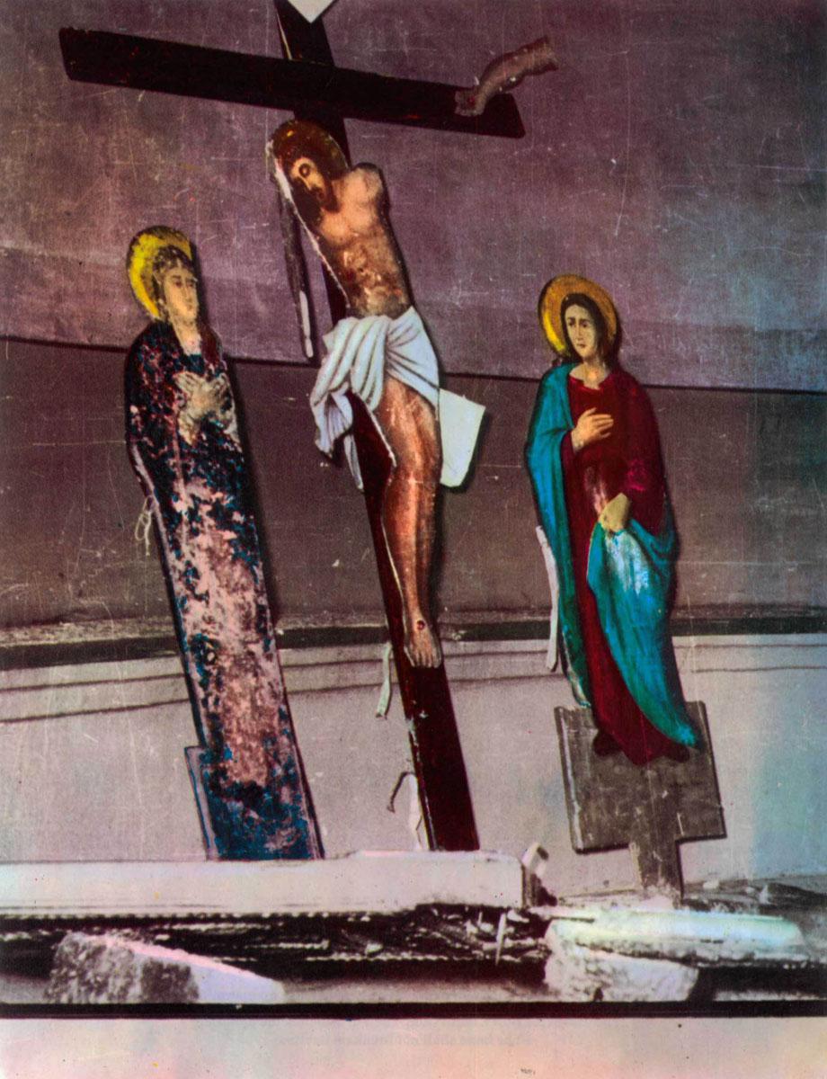 Εικ. 8. Φωτογραφία από το λεύκωμα του Δ. Καλούμενου «Η Σταύρωση του Χριστιανισμού».