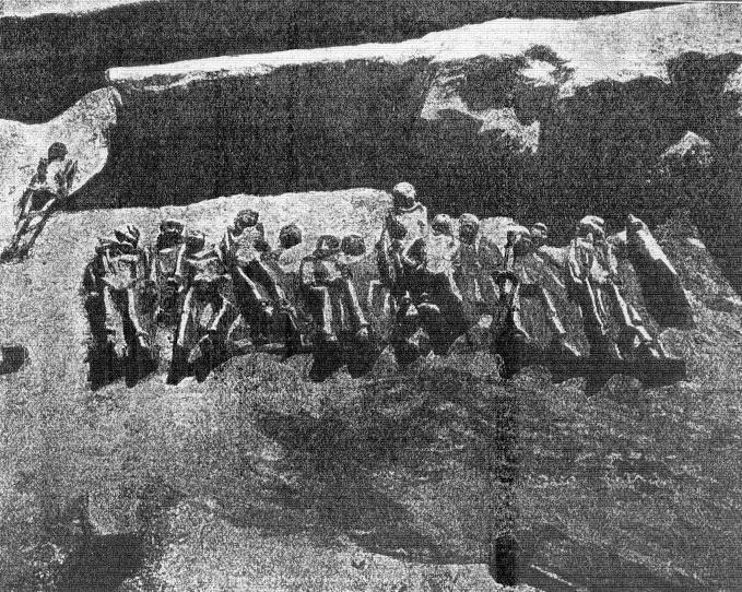 Εικ. 3. Οι «σιδηρόδετοι» του Φαλήρου. (Πελεκίδης 1916, σ. 13-64)
