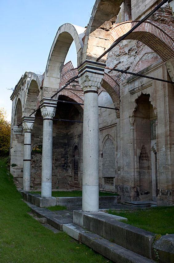 Το Ζινζιρλί τζαμί είναι ένα από τα τέσσερα σημαντικά μνημεία που κτίστηκαν στην πόλη των Σερρών και χρονολογούνται από το 15ο αιώνα (φωτ. Βασίλης Καφταντζής).