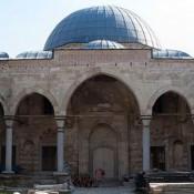 Άνοιξε τις σιδερένιες πύλες του το Ζινζιρλί τζαμί
