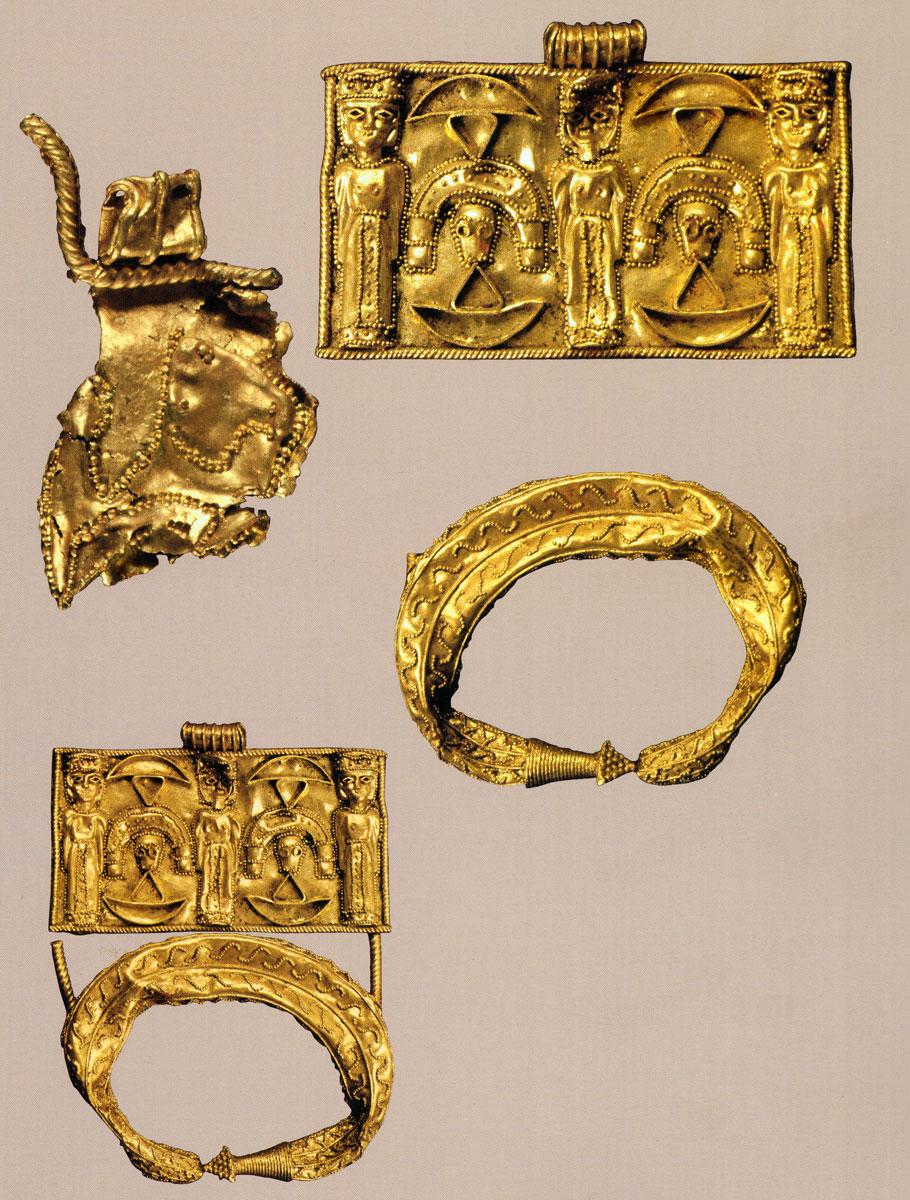Εικ. 12. Ιδαίον Άντρον. Χρυσά κοσμήματα και ελάσματα.