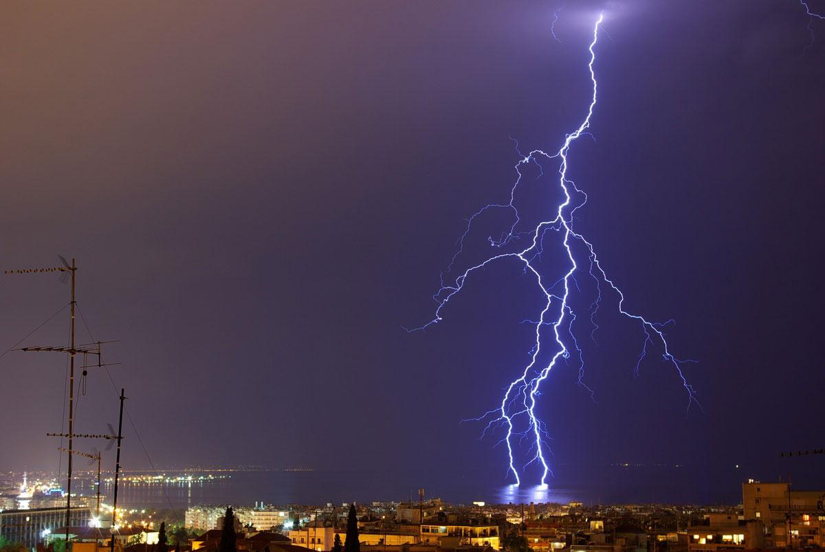 Κεραυνοί στη Θεσσαλονίκη (φωτ. Τμήμα Γεωλογίας ΑΠΘ).