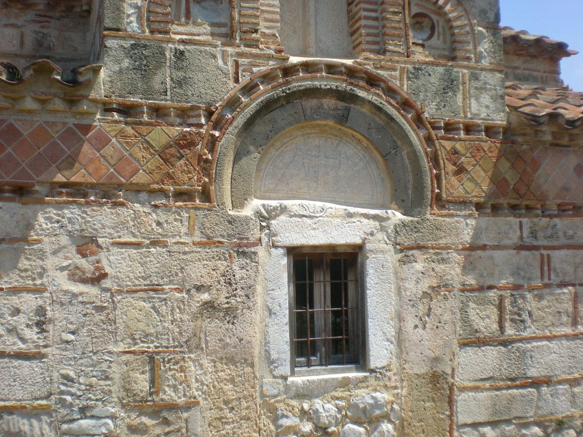 Εικ. 10. Όψη βυζαντινού ναού στη Μάνη (πηγή: προσωπικό αρχείο).