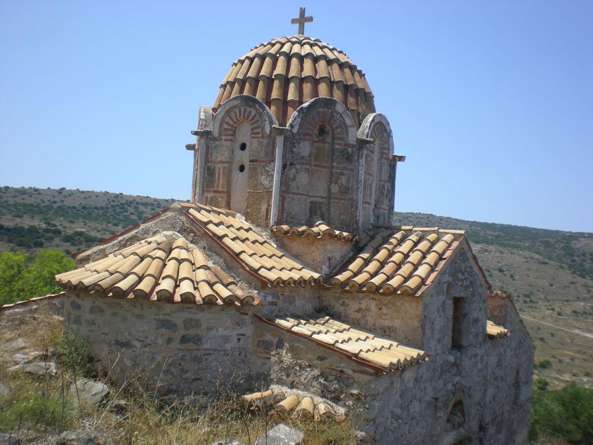 Εικ. 12. Όψη βυζαντινού ναού στη Μάνη (πηγή: προσωπικό αρχείο).